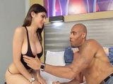 Arab Mia Khalifa loves huge black cock